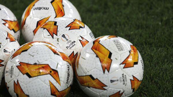 Мячи перед началом матча Лиги Европы УЕФА - Sputnik Латвия