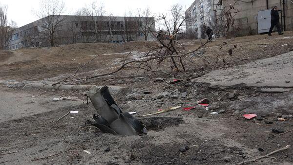 Последствия обстрела Мариуполя - Sputnik Latvija