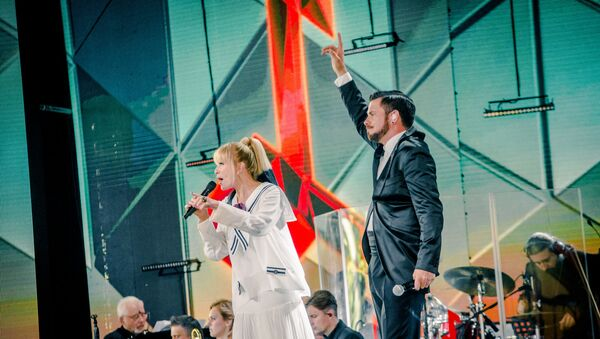 Лайма Вайкуле и Интрас Бусулис открывают второй день фестиваля Лайма Рандеву - Sputnik Латвия