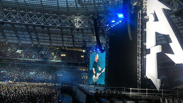 Metallica спела в Москве Группу крови на русском - видео - Sputnik Latvija