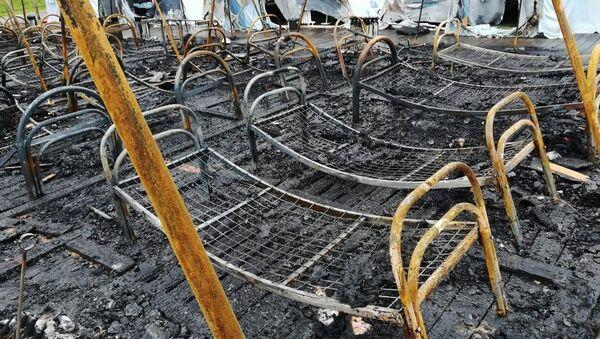 Последствия пожара в палаточном городке в Хабаровском крае - Sputnik Латвия