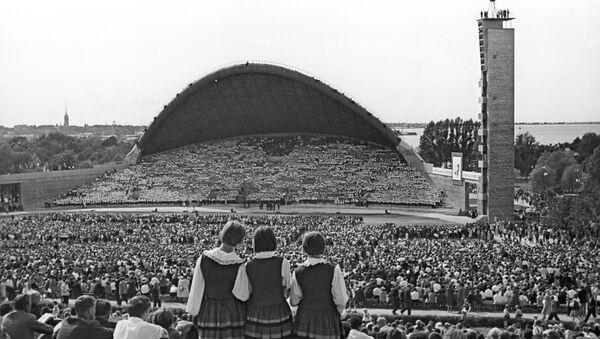 На Певческом поле в Таллине в конце 80-х годов 20-го века - Sputnik Латвия