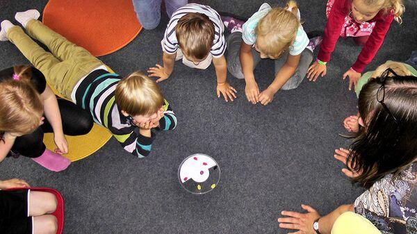 Дети в детском саду - Sputnik Latvija
