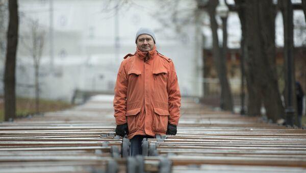 Координатор поисково-спасательного отряда Лиза Алерт Олег Леонов - Sputnik Латвия