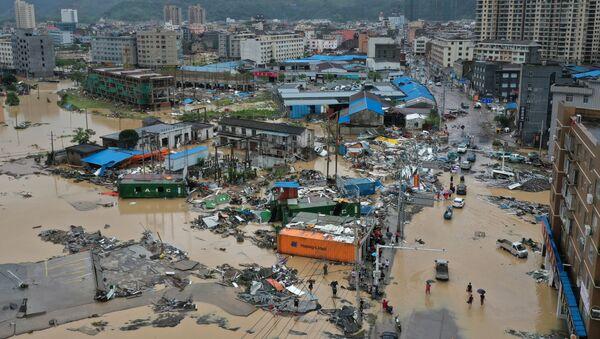 Провинция Чжэнцзян после тайфуна, 10 августа 2019 года - Sputnik Latvija