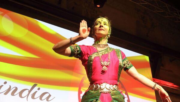 Лариса Подскочая – исполнительница индийского классического танца - Sputnik Латвия