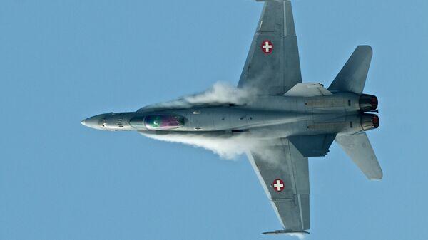 Истребитель F/A-18 Hornet ВВС Швейцарии - Sputnik Латвия
