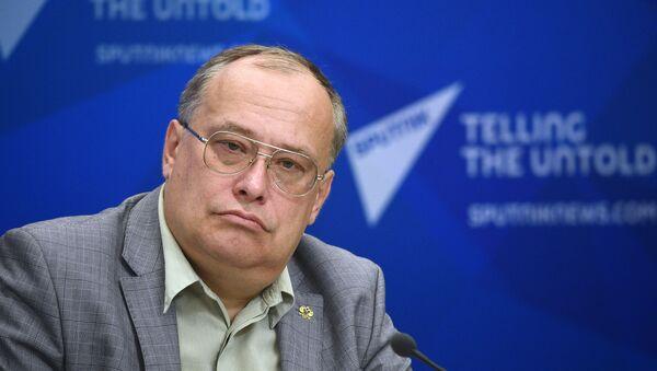 Президент Российской ассоциации прибалтийских исследований Николай Межевич - Sputnik Latvija