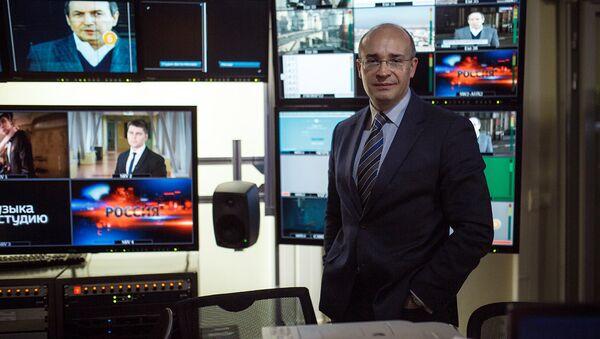 Российский журналист Андрей Кондрашов в студии программы Вести - Sputnik Latvija