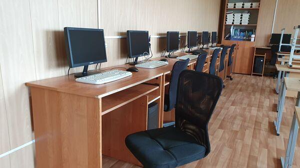 Класс информатики южнокурильской школы - Sputnik Латвия