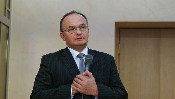 Инициатор экспозиции, депутат Сейма Игорь Пименов - Sputnik Latvija