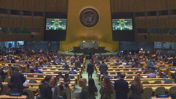 Ни шага без русофобии: Латвия и Литва на Генассамблее ООН - Sputnik Латвия