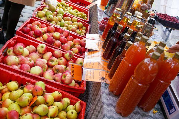 В День Микелиса можно запастись не только яблоками - Sputnik Латвия