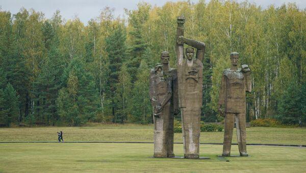 Церемония, посвященная 75-й годовщине освобождения концентрационного лагеря в Саласпилсе - Sputnik Латвия