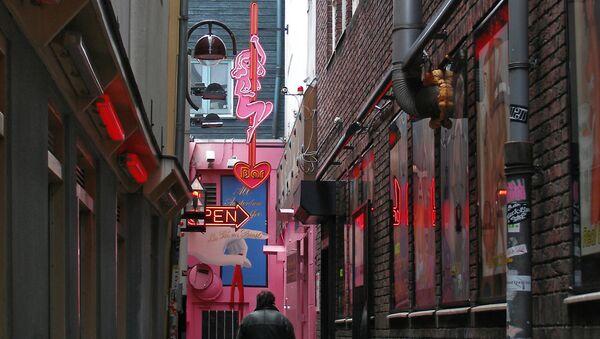 Амстердам. Один из переулков в квартале Красных фонарей. - Sputnik Латвия