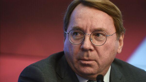 Первый заместитель председателя Комитета Совета Федерации по обороне и безопасности Владимир Кожин - Sputnik Латвия