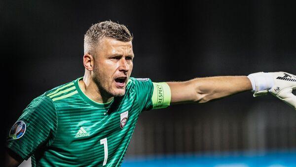 Вратарь сборной Латвии Андрис Ванин на матче с командой Польши - Sputnik Латвия