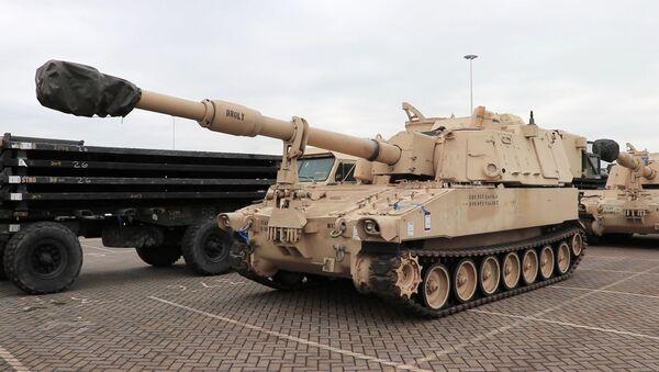 Тихая оккупация. Смотрите, как НАТО в Европе перебрасывает военную технику  - Sputnik Латвия