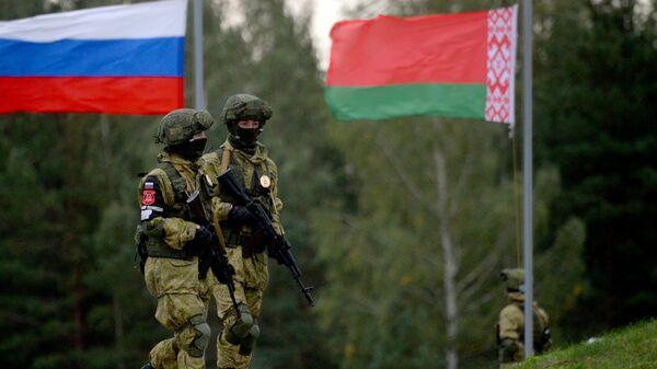 Krievijas un Baltkrievijas kopējās militārās mācības - Sputnik Latvija
