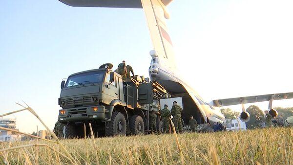 Российские комплексы С-400 и Панцирь–С прибыли в Сербию для совместных учений - Sputnik Латвия