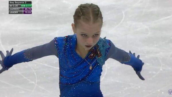 Гран-при Skate Canada 2019. Выступление Александры Трусовой - Sputnik Латвия