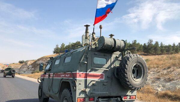 Военная полиция РФ на северо-востоке провинции Алеппо в Сирии - Sputnik Латвия