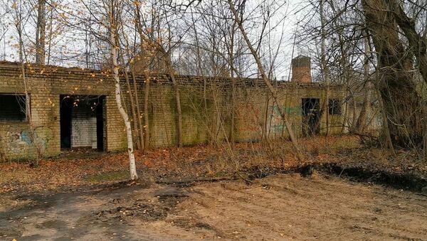 Памятник советским подводникам в Риге отправили на свалку - Sputnik Латвия