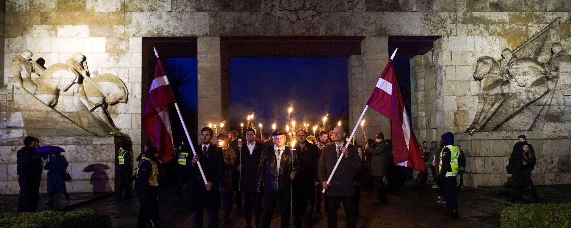 В День Лачплесиса в Риге состоялось факельное шествие - Sputnik Latvija, 1920, 11.11.2020