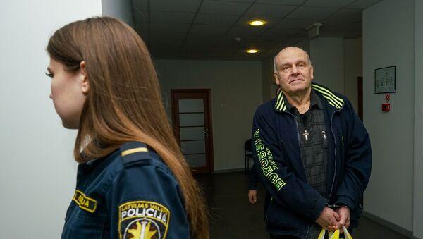 Олег Бурак в Суде Видземского предместья Риги - Sputnik Латвия