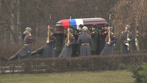 Легендарную советскую разведчицу Гоар Вартанян похоронили в Москве - Sputnik Латвия