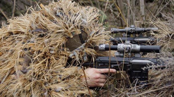 Снайпер на учениях - Sputnik Latvija