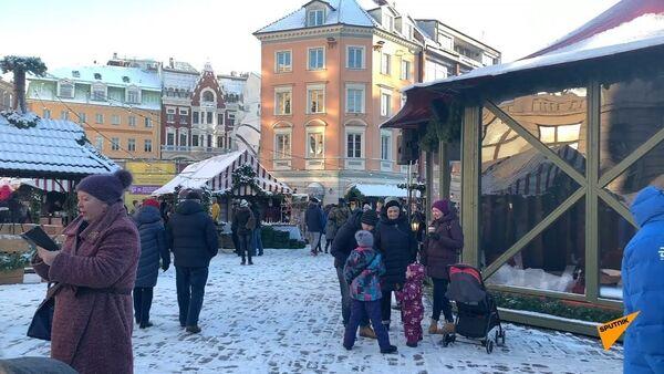 Рождество уже в Риге: праздничная ярмарка на Домской площади - Sputnik Латвия
