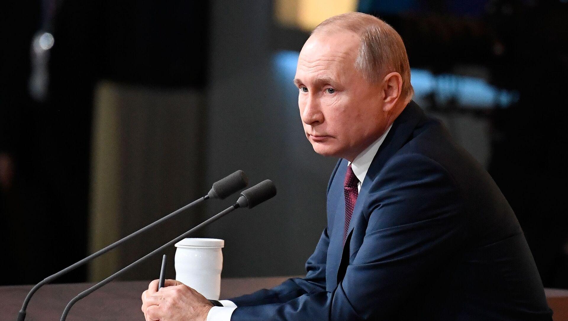 Президент России Владимир Путин - Sputnik Латвия, 1920, 01.05.2021