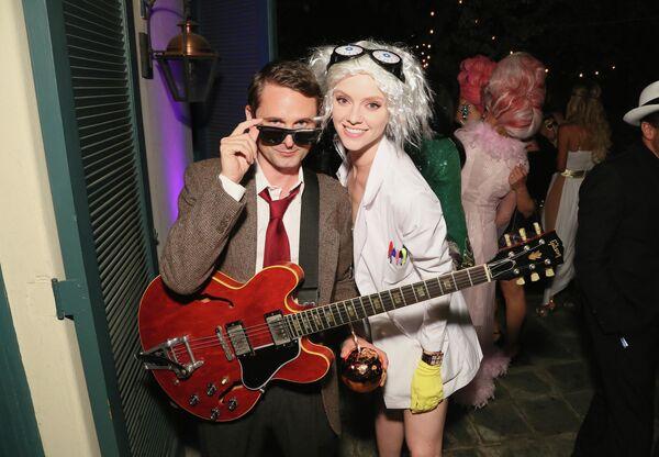 Гитарист Мэттью Беллами и модель Элль Эванс в Лос-Анджелесе, архивное фото - Sputnik Латвия