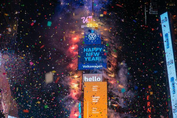 Празднование Нового 2020 года на Таймс-сквер в Нью-Йорке  - Sputnik Латвия