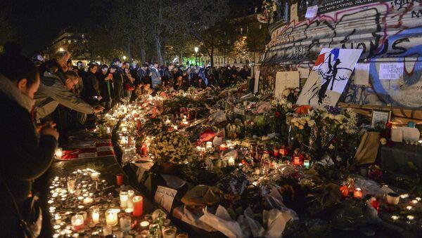 Ситуация в Париже после серии терактов - Sputnik Латвия
