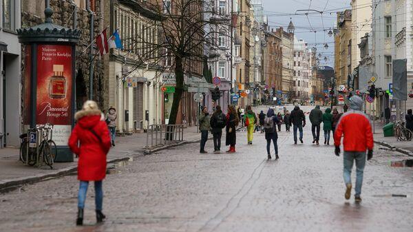 На один день улица Тербатас в Риге стала пешеходной. - Sputnik Latvija