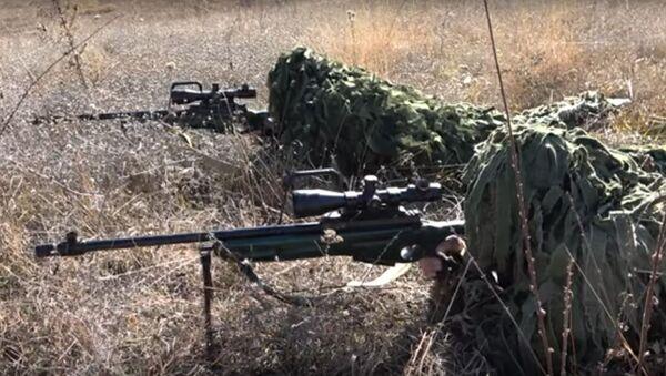 Снайперы ЮВО осваивают скоростную стрельбу - Sputnik Latvija