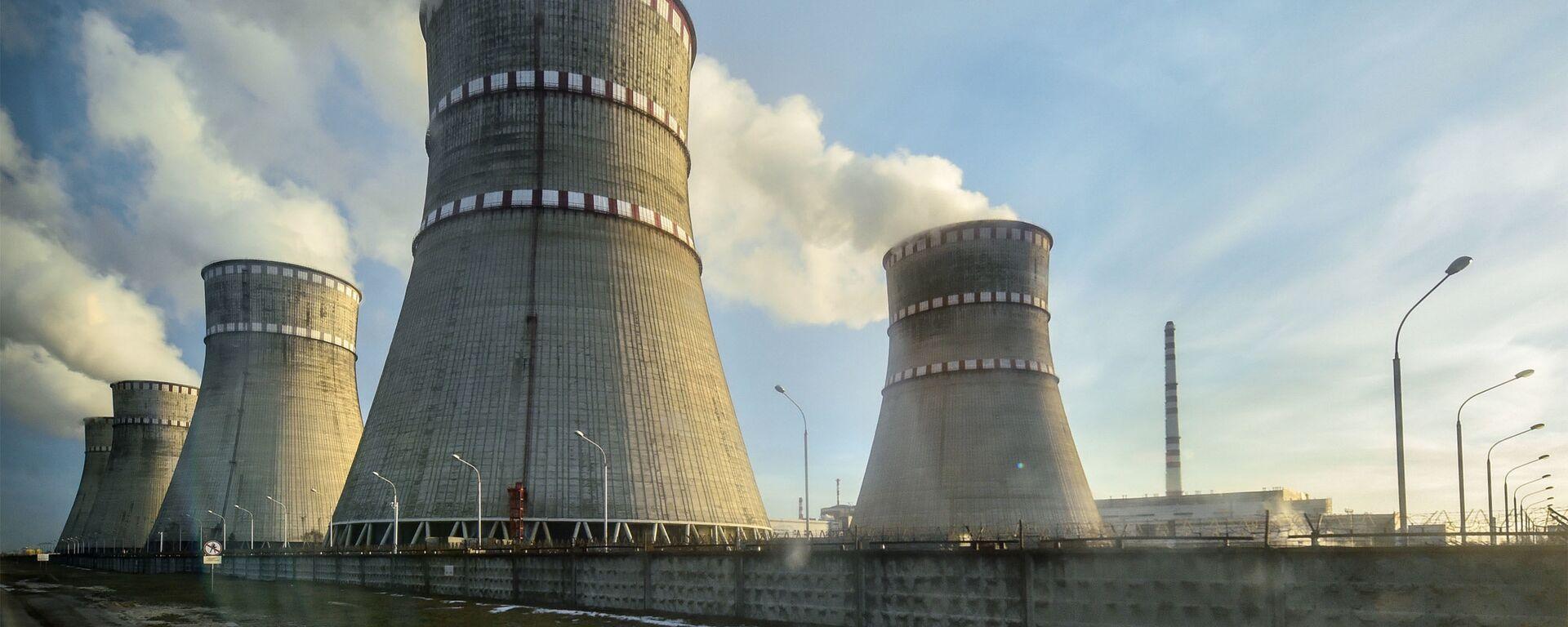 Ровенская атомная электростанция в Кузнецовске. - Sputnik Латвия, 1920, 04.08.2021