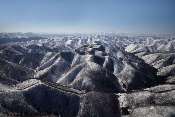 Горы хребта Сихотэ-Алинь в Хабаровском крае - Sputnik Латвия