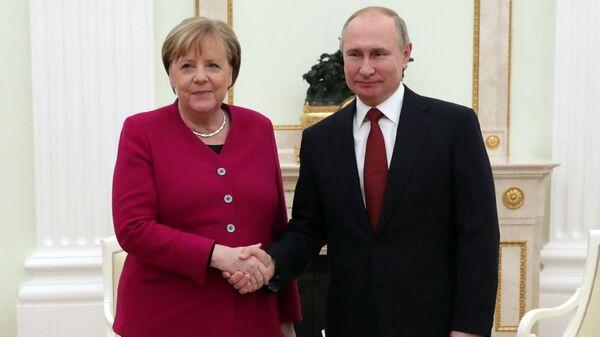Встреча президента РФ В. Путина с канцлером Германии А. Меркель - Sputnik Латвия