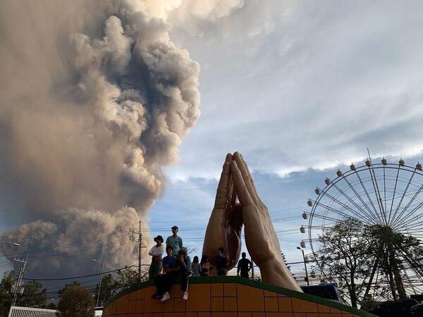 Извержение вулкана Тааль - Sputnik Латвия