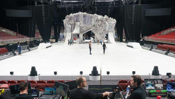 Масштабные декорации были возведены в Арене Рига всего за ночь. - Sputnik Латвия