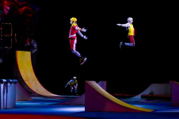 Премьера в Риге:  шоу Кристалл канадского Cirque du Soleil. - Sputnik Латвия