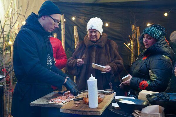 В Риге прошел четвертый фестиваль уличной еды Street Food Festival - Sputnik Латвия