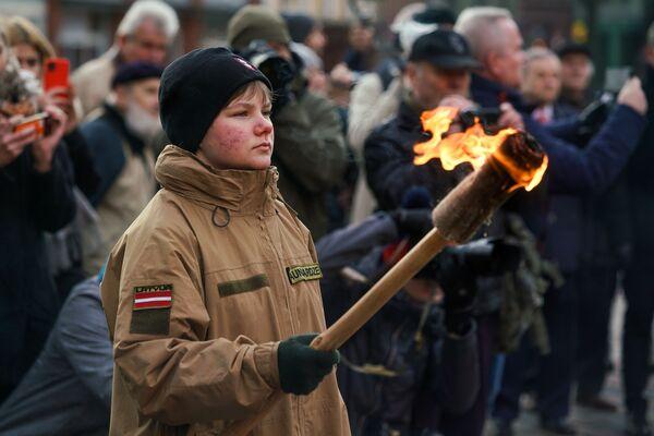 Мероприятие памяти баррикад 1991 года на Домской площади в Риге - Sputnik Латвия