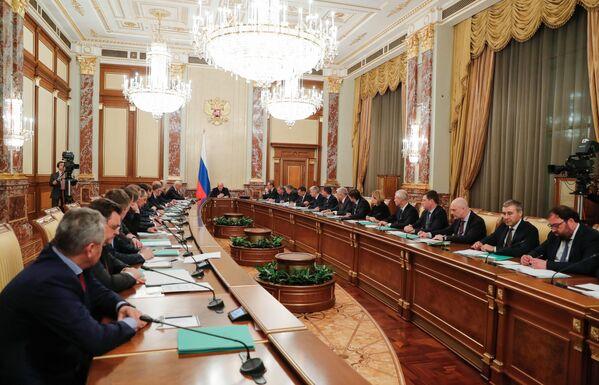 Премьер-министр М. Мишустин провел заседание правительства РФ - Sputnik Латвия