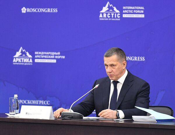 Заместитель председателя правительства РФ – полномочный представитель президента в Дальневосточном федеральном округе Юрий Трутнев  - Sputnik Латвия