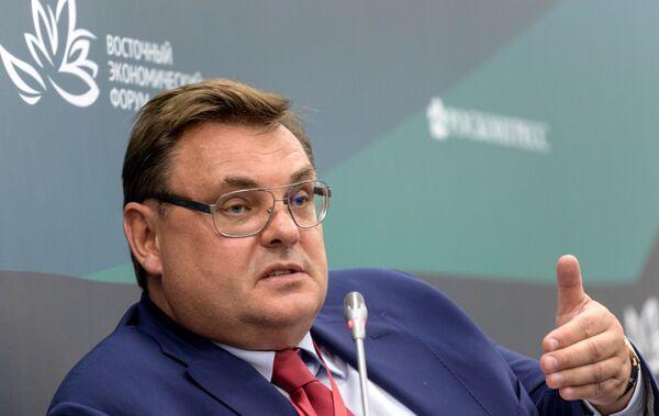 Начальник Контрольного управления президента Российской Федерации Константин Чуйченко на форуме во Владивостоке  - Sputnik Латвия