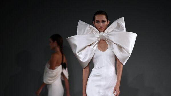 Неделя моды в Париже Haute Couture: Alexis Mabille - Sputnik Латвия